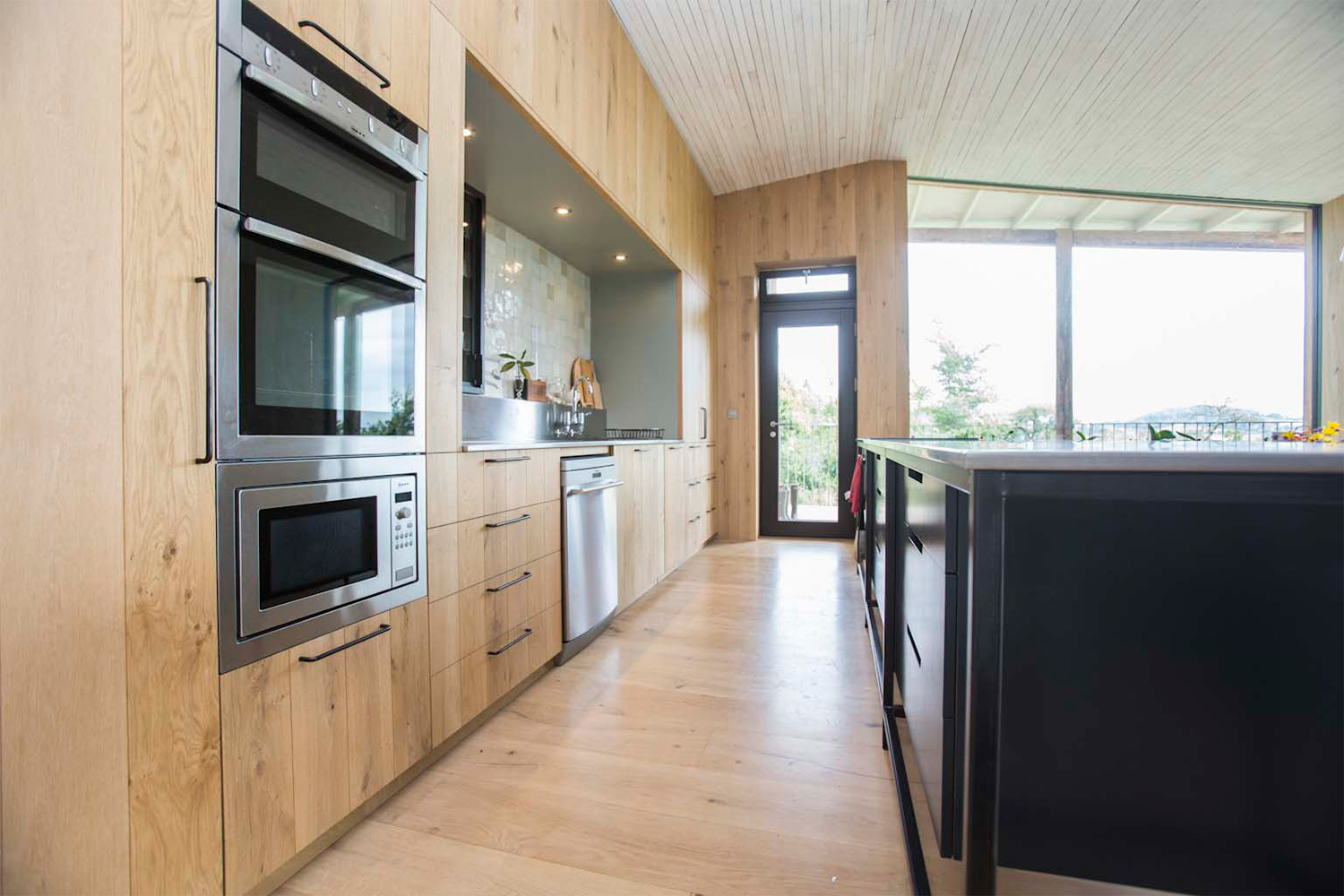 heartwood-cabinet-makers-contemporary-kitchen-somerset-3-large