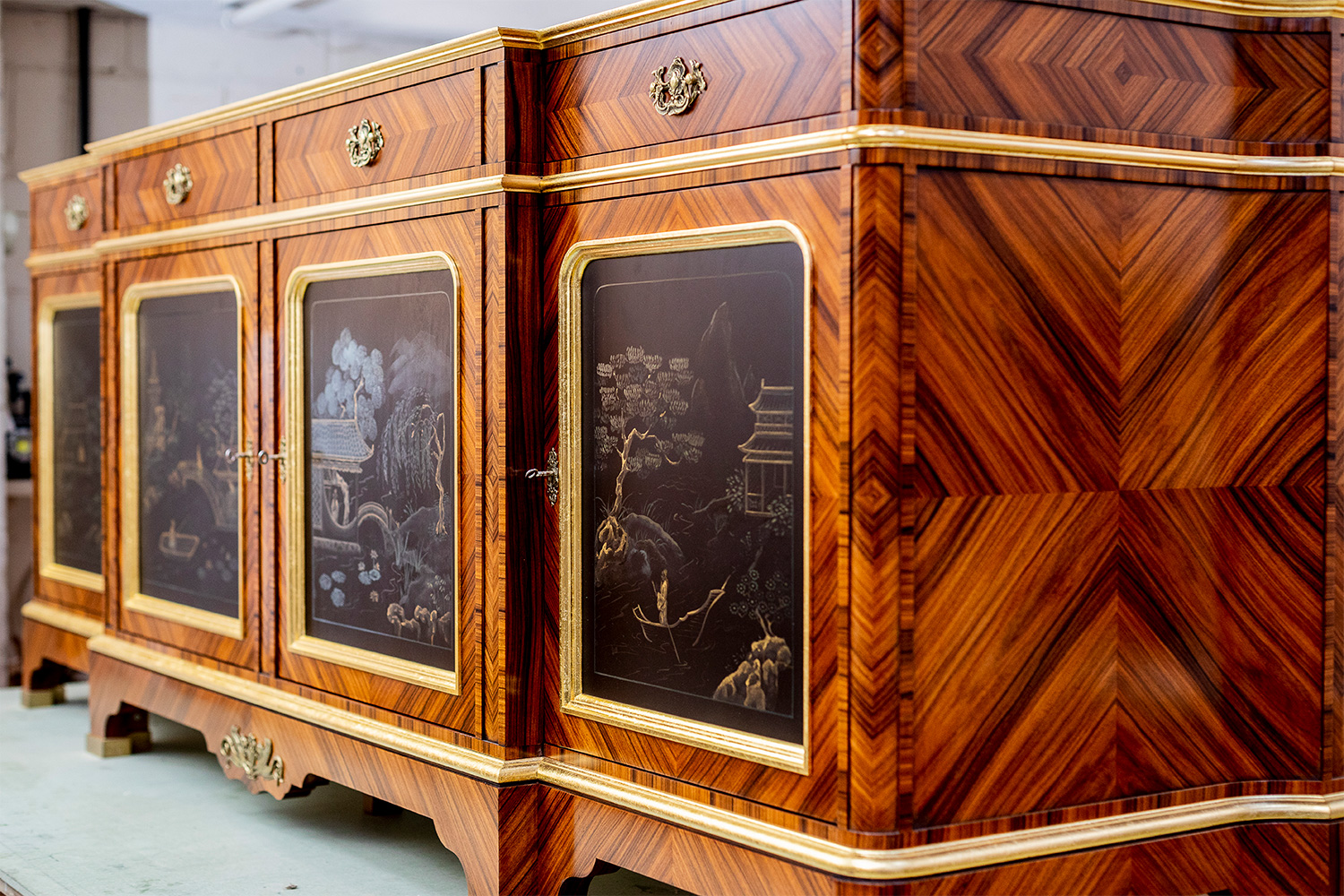 Heartwood-Commercial-Cabinet-makers-Claridges